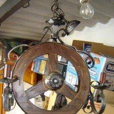 Antigüedades: LAMPARA COMO RUEDA. Lote 15738878