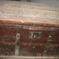 Antigüedades: BAÚL DE 49X40X70 CMS, CON CERRADURA SIN LLAVE, A RESTAURAR. Lote 24888837
