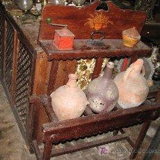 Antigüedades: CANTARERA RUSTICA VASIJAS NO INCLUIDAS. Lote 26656104