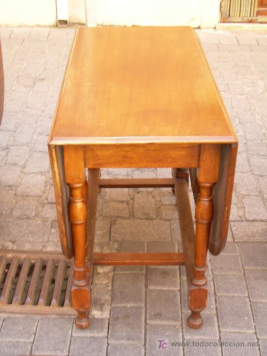 MESA INGLESA DE CAOBA (Antigüedades - Muebles Antiguos - Revisteros Antiguos)