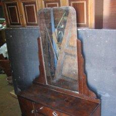 Antigüedades: TOCADOR DE NOGAL ART DECO POR RESTAURAR. Lote 26422342