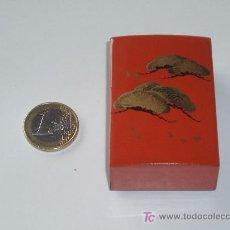 Antigüedades: CAJITA LACADA ANTIGUA , NARANJA Y ORO.. Lote 27050065