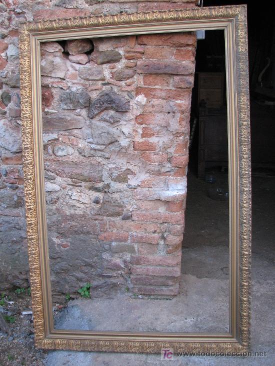 GRAN MARCO DORADO DE MADERA TALLADA. (Antigüedades - Muebles Antiguos - Cornucopias Antiguas)