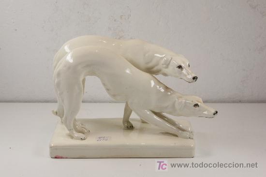 Antigüedades: figura en cerámica de perros. marcas en la base: ROYAL DUX. Made in czechoslovakia - Foto 2 - 23494274