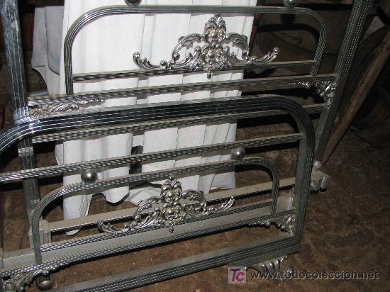 PRECIOSA CAMA DE METAL BLANCO. 90 CM. ANCHO. (Antigüedades - Muebles Antiguos - Camas Antiguas)