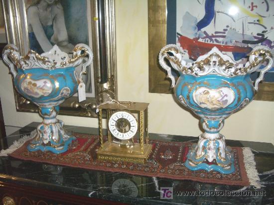 IMPRESIONANTE PAREJA DE CENTROS, MEDIDAS 45 CMS ALTO Y 40 CMS ANCHO (Antigüedades - Porcelana y Cerámica - Alemana - Meissen)