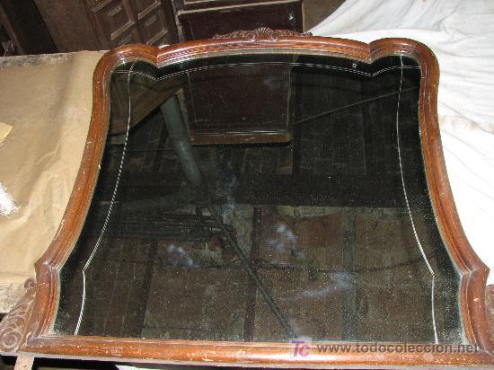 ANTIGUO ESPEJO DE TOCADOR DE MADERA DE HAYA Y CRISTAL CON FILETE TALLADO. (Antigüedades - Muebles Antiguos - Espejos Antiguos)
