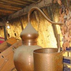 Antigüedades: BONITO ALAMBIQUE DE COBRE. 70 CM ALTURA Y 30 CM DIAMETRO.. Lote 27430778