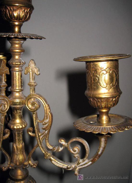 Antigüedades: ANTIGUA PAREJA DE CANDELABROS FRANCESES - MUY BONITOS Y ELEGANTES - FINALES DEL SIGLO XVIII - BRONCE - Foto 4 - 33548192