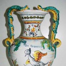 Antigüedades: ANTIGUO JARRON DE TALAVERA DE LA REINA - PRECIOSO . MIDE 36 CMS. DE ALTURA - EN LA BASE TIENE UNA R. Lote 27346531