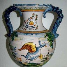 Antigüedades: ANTIGUO JARRON DE TALAVERA DE LA REINA - PRECIOSO . MIDE 30 CMS. DE ALTURA - VEAN TODAS LAS FOTOS QU. Lote 26697449