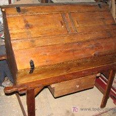 Antigüedades: ANTIGUA PASTERA RUSTICA CON PATAS Y CAJON INFERIOR.. Lote 27206676