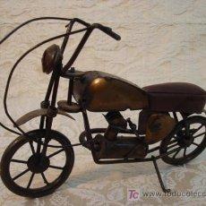 Antigüedades: MOTO TIPO CUSTOM ARTESANA EN HIERRO. Lote 8299078