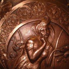 Antigüedades: IMPORTANTE ALTORRELIEVE EN CHAPA DE COBRE GRUESA, ART NOUVEAU 1890 -1910 . FIRMADO Y ENUMERADO.. Lote 10076410