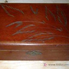 Antigüedades: ANTIGUA CAJA COSTURERO DE MADERA. Lote 27082096