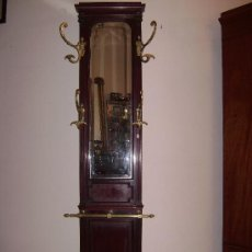 Antigüedades: BENGALERO MODERNISTA EN CAOBA. Lote 26712992