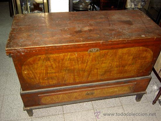 ANTIGUA ARCA DE PINO MACIZO (Antigüedades - Muebles - Cómodas Antiguas)