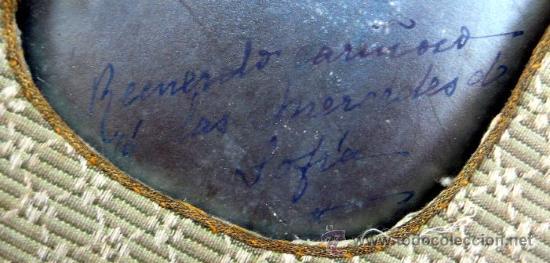 Antigüedades: MARCO DE SEDA BORDADA CON FOTOGRAFÍA DE UNA SEÑORITA Y DEDICATORIA - S. XIX - Foto 4 - 27346581