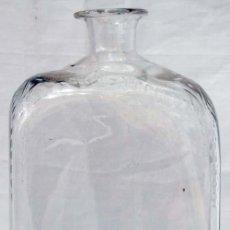 Antigüedades: BOTELLA Ó FRASCA DE CRISTAL DE LA GRANJA TALLADA S XIX. Lote 17640634