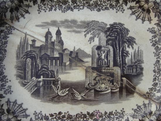 Antigüedades: FUENTE PICKMAN Y CIA (LA CARTUJA, SEVILLA). SELLO EN BASE. 32.5X26.5. CON LAÑAS. VER FOTOS. - Foto 2 - 27513327