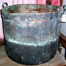 Antigüedades: CALDERA GRANDE DE COBRE CON ASAS EN COBRE. ANTIGUA 50 CM DIÁMETRO 46 CM ALTO. VER CONDICIONES.. Lote 27107611