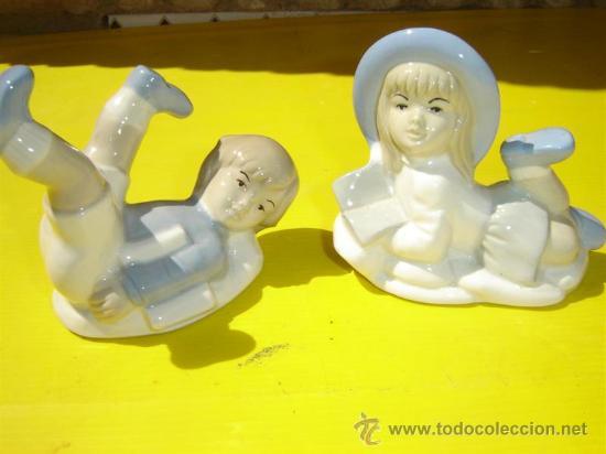 PAREJA DE FIGURAS NINOS (Antigüedades - Porcelanas y Cerámicas - Otras)