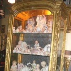 Antigüedades: EXCEPCIONAL Y COLOCABLE VITRINA DORADA NEOCLASICA ORO FINO, XIX, PIEZA DE MUSEO. Lote 27420742