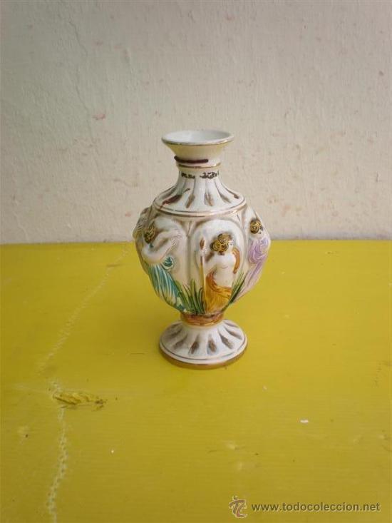 PEQUEÑO JARRON (Antigüedades - Porcelanas y Cerámicas - Otras)