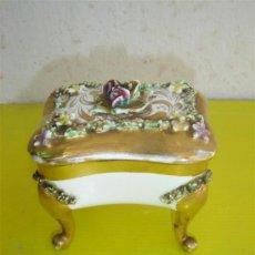 Antigüedades: JOYERO DE PORCELANA. Lote 8901582