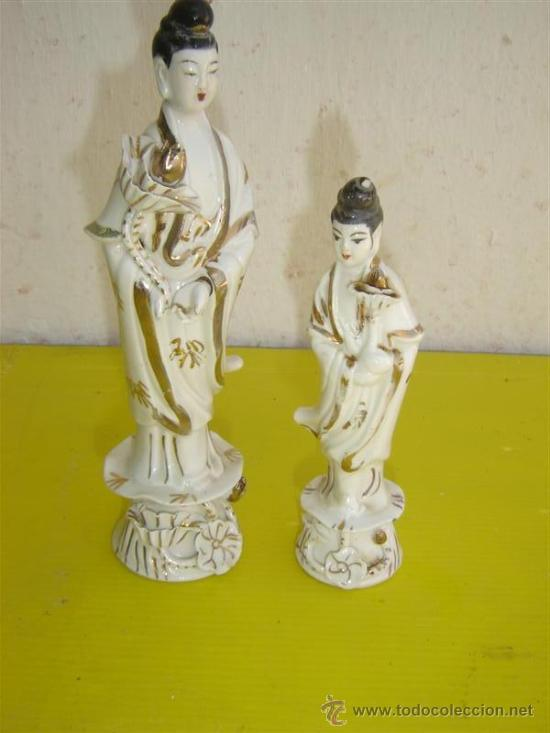 2 FIGURAS CHINAS FIRMADAS (Antigüedades - Porcelanas y Cerámicas - Otras)