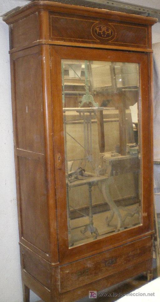 Armario modernista a o 1920 consultar coste d comprar - Armarios roperos antiguos ...