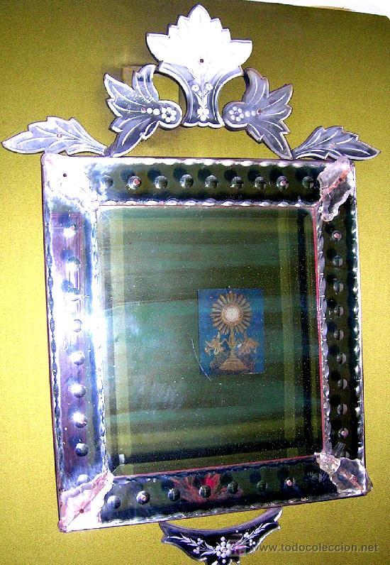 ESPEJO CRISTAL LABRADO Y TALLADO SOBRE LUNA VENECIA. ESTILO ISABELINO. ANTIGUO. Y DETALLES (Antigüedades - Muebles Antiguos - Espejos Antiguos)