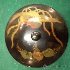 Antigüedades: ANTIGUA CAJA LACADA JAPONESA DECORADA. Lote 16610454