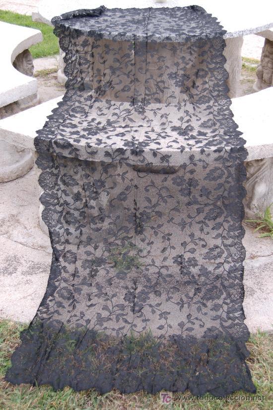 MANTILLA ESPAÑOLA NEGRA EXCELENTE CONSERVACION - 200 X 80 CM. (Antigüedades - Moda - Mantillas)