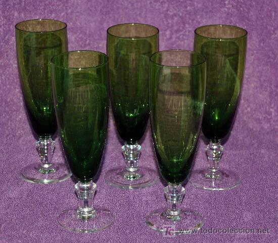 COPAS DE CAVA CRISTAL VERDE - BASE TRASPARENTE (5 COPAS) (Antigüedades - Cristal y Vidrio - Otros)