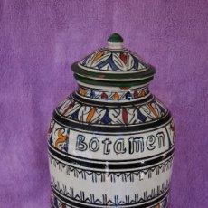 Antigüedades: BOTAMEN CERAMICA TALAVERA ANTIGUO - 40 CM. ALTO - FIRMADO. Lote 27118184