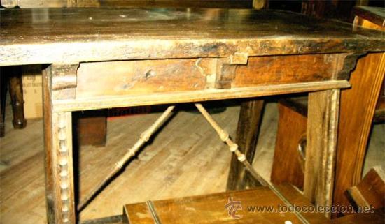 Antigüedades: Mesa de nogal y roble. 2 cajones . Medida 78,5 cm altura x 109 cm larga x 62 cm fondo.S.XIX - Foto 4 - 27260421