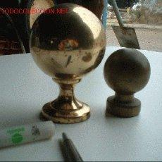Antigüedades: 2 BOLAS DE BRONCE. Lote 26827461