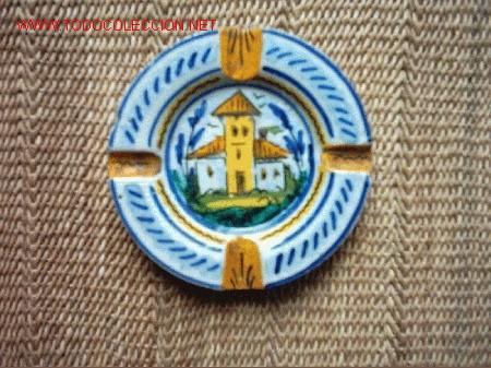 CENICERO DE CERÁMICA DE TRIANA SELLO INCISO DE MENSAQUE RODRIGUEZ Y Cª. 13 CM. (Antigüedades - Porcelanas y Cerámicas - Triana)