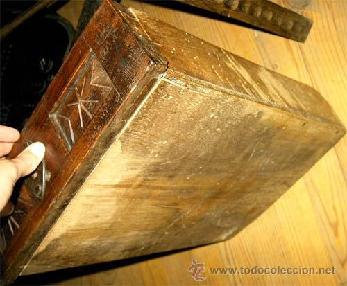 Antigüedades: Mesa de nogal y roble. 2 cajones . Medida 78,5 cm altura x 109 cm larga x 62 cm fondo.S.XIX - Foto 9 - 27260421