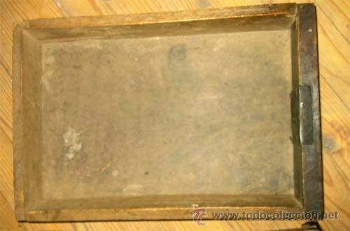 Antigüedades: Mesa de nogal y roble. 2 cajones . Medida 78,5 cm altura x 109 cm larga x 62 cm fondo.S.XIX - Foto 12 - 27260421