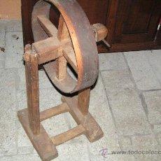 Antigüedades: RUEDA DE HILAR. Lote 27313016