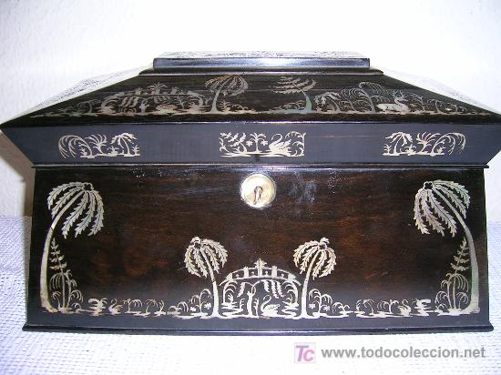ANTIGUA CAJA INGLESA PARA EL THÉ EN CHICARANDA CON MARQUETERIA EN NACAR S-XIX (Antigüedades - Hogar y Decoración - Cajas Antiguas)