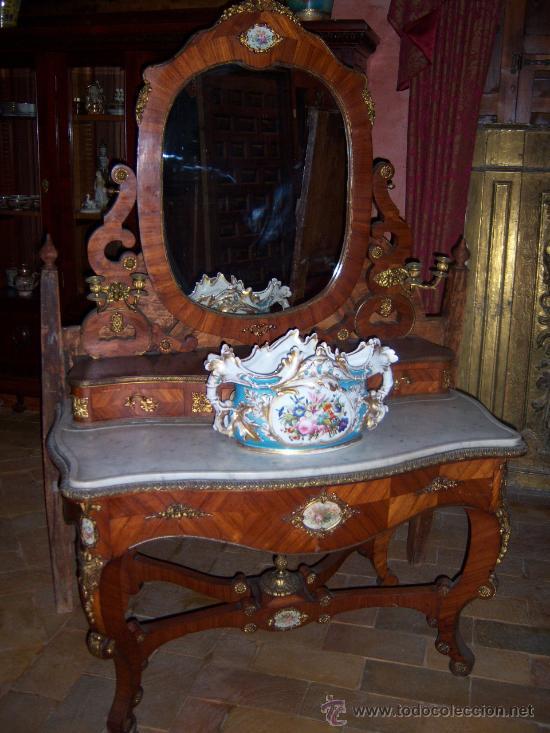 TOCADOR FINALES DEL S.XIX CON PORCELANA DE SEVRES (Antigüedades - Muebles Antiguos - Cornucopias Antiguas)