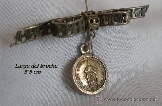 BROCHE CON MEDALLA RELIGIOSA DE N.S. DE LOS SANTOS ALCALA DE LOS GAZULES CADIZ (Antigüedades - Religiosas - Medallas Antiguas)