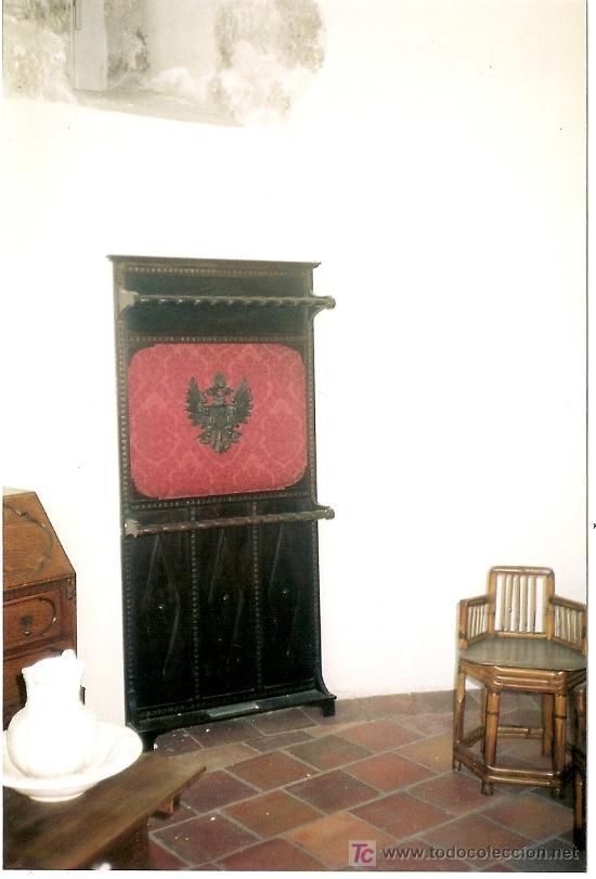 PERCHERO DE PARED. ESPAÑA, S.XX (Antigüedades - Muebles Antiguos - Revisteros Antiguos)