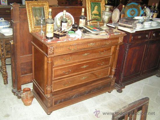 COMODA ALFONSINA REALIZADA EN NOGAL (Antigüedades - Muebles - Cómodas Antiguas)