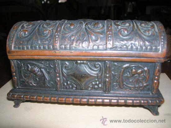 JOYERO -BAÚL - PRINCIPIO DE 1900 - BRONCE (Antigüedades - Muebles Antiguos - Baúles Antiguos)