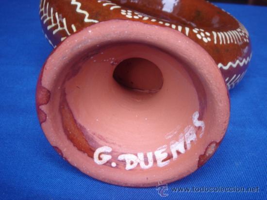 Antigüedades: BOTIJO DE BARRO VIDRIADO. FIRMADO EN BASE. ALTURA: 32 CMS. BASE: 9.5 CMS. - Foto 3 - 27279109