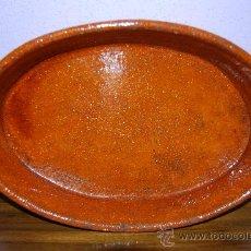 Antigüedades: ANTIGUA FUENTE DE HORNO - PERERUELA (ZAMORA) - 35 X 22 X 7 CM.. Lote 26431696